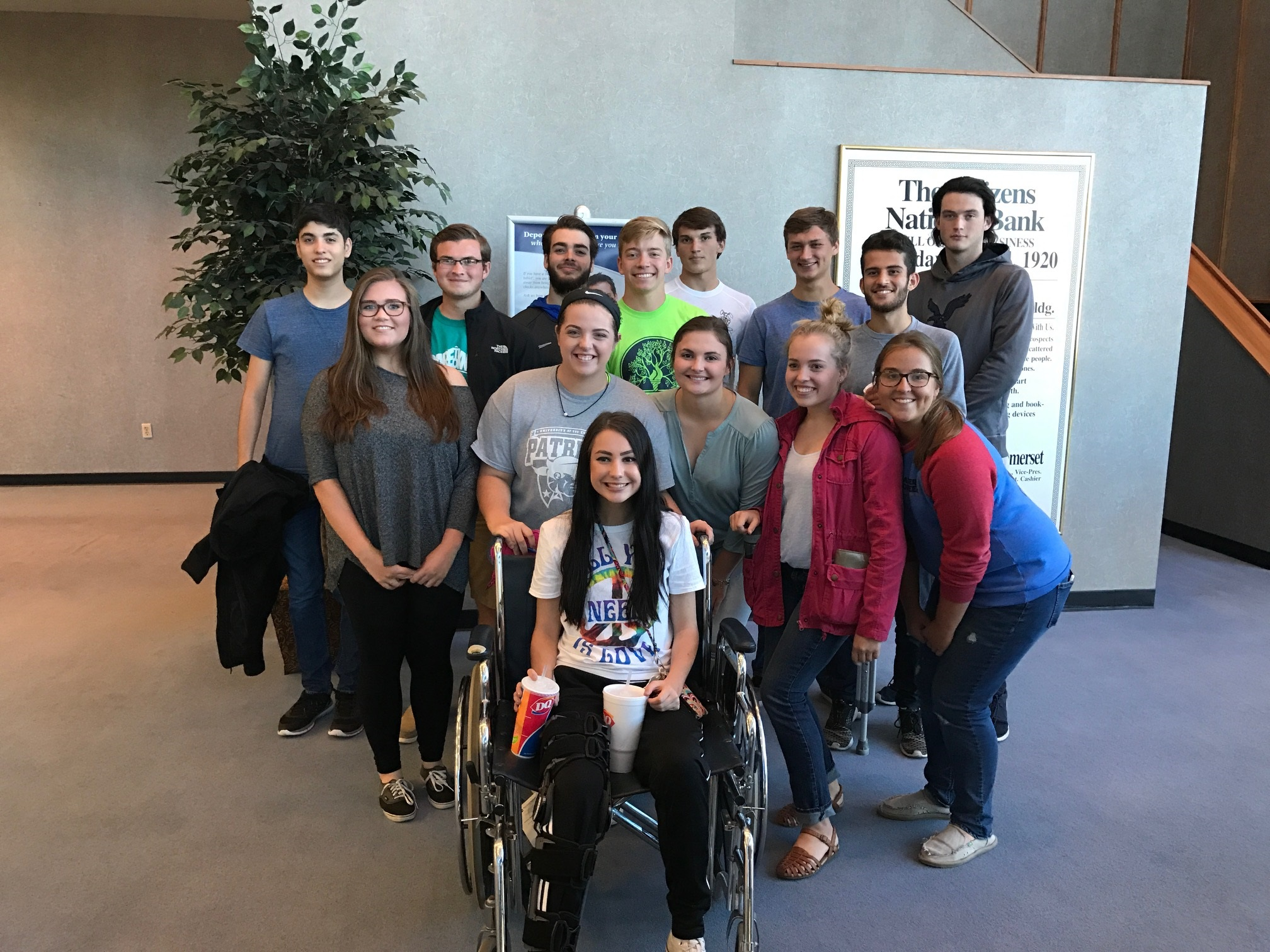 Advanced Marketing Class tours Citizens National Bank
